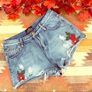 Angie denim shorts w/ embroidery size L!